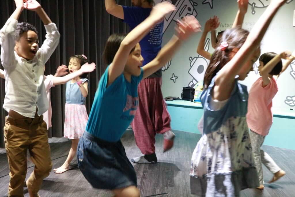 兒童美語幼兒英語戲劇課程教室自信創意表達